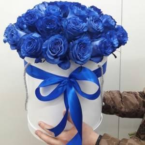 29 синих роз в коробке R661